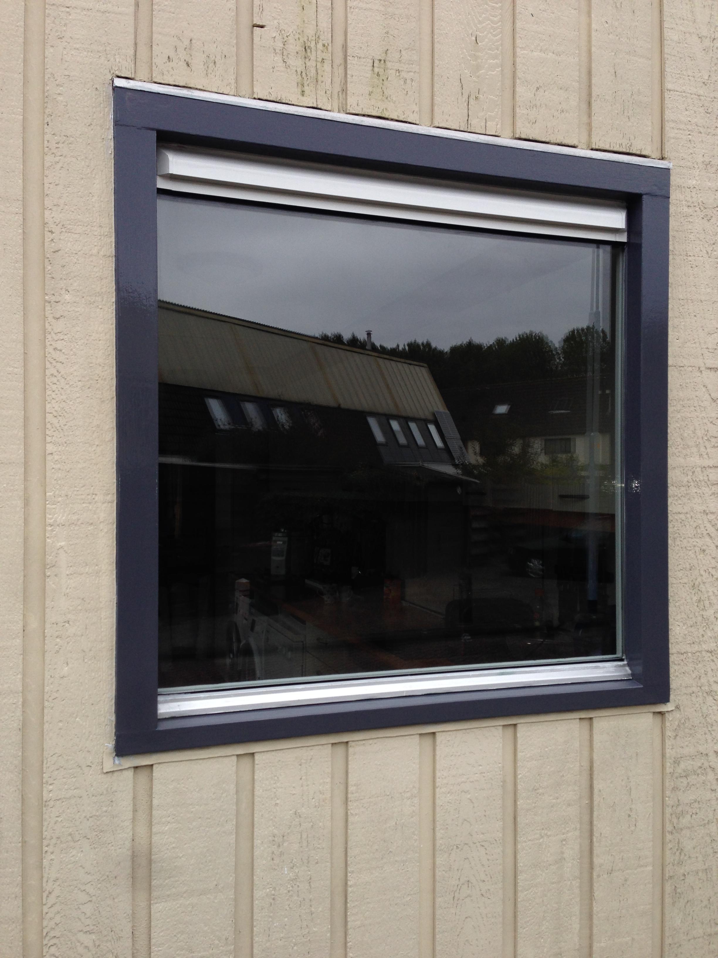 Eindresultaat vast raam met rooster